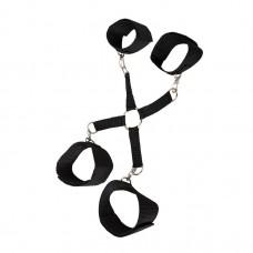 Черная сцепка-фиксатор  рук и ног на карабинах (цвет -черный) (104975)