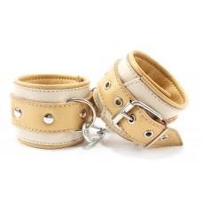 Бежевые кожаные наручники (цвет -бежевый) (105381)