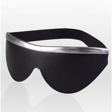 Черная кожаная маска на резинке с серебристой полосой (цвет -черный с серебристым) (108100)